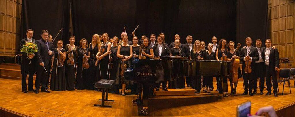 Orkiestra-Symfoniczna-Filharmonii-Uniwersyteckiej-we-Wrocławiu